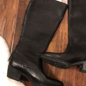 Born black leather boots size 6